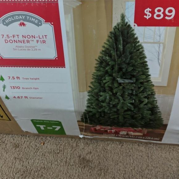 Holiday Time Christmas Tree.7 5 Ft Non Lit Donner Fir Christmas Tree